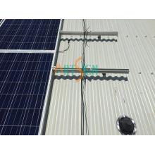Montages de panneaux solaires pour toiture en métal
