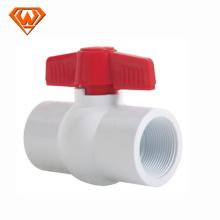 Válvula de bola plástica material caliente de PPR del proveedor de la venta de China con / sin la base de acero