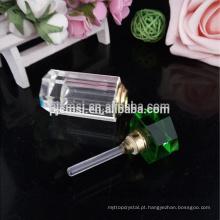 Frasco de perfume feito sob encomenda do vidro de cristal do tipo bonito por atacado para o presente de casamento