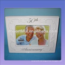 Weißer keramischer Hochzeitstag-Fotorahmen für 50. Hochzeitstag