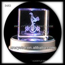 cubo de cristal de gravura do laser 3D com base conduzida