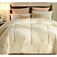 2015 New Product Quilt China Supplier Quilt for Hotel F1818