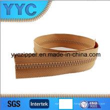 No. 5 resina de cremallera / cremallera de plástico de cadena larga para las ventas