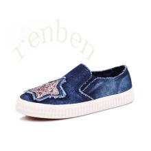 Hot New Arriving Fashion Children′s Canvas Shoes
