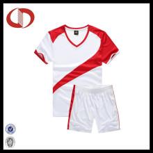 Kundenspezifisches Logo-spätestes Entwurfs-atmungsaktives Männer Fußball Jersey