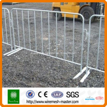 Galvanized or pvc coated crowd control barriers