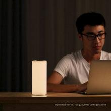 2018 nueva lámpara de mesa de la protección de ojo del diseño para leer y trabajar la lámpara de lectura llevada flexible de la cama del lado