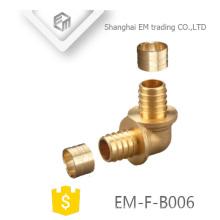 EM-F-B006 Instalación de tubería de codo de latón para manguera de agua