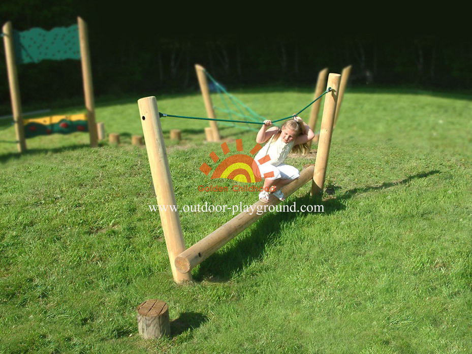 Rope Timber Balance Playground Equipment For Kids