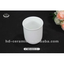 Single wall porcelain mug,