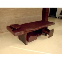 Pequena cama de pé de madeira com gaveta de mobiliário de hotel