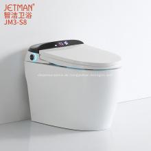 Intelligente Toilette mit automatischer Spülung