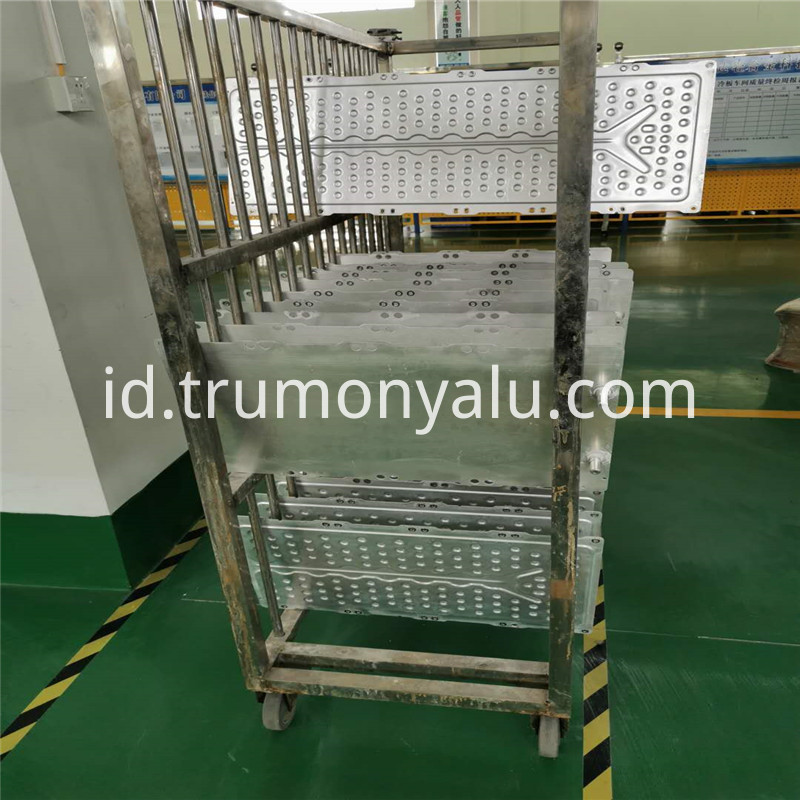 Aluminum brazed water cooling plate15