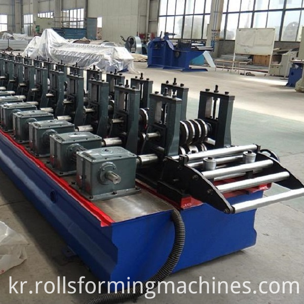 solor panel support machine