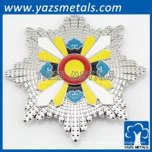 запеченные кнопку значок эмали в форме цветка в качестве подарка