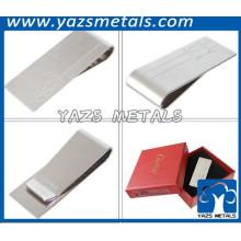 plata de chapado en acero clip de dinero en blanco
