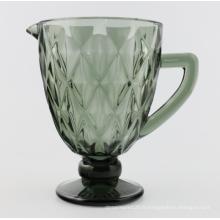 Pichet en verre de couleur unie avec poignée