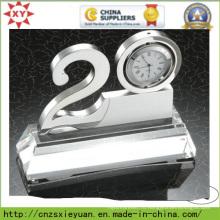 Металлический трофей с часами