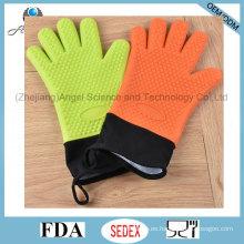 Largo y cálido guante de silicona de vacaciones de 5 dedos para hornear Sg30