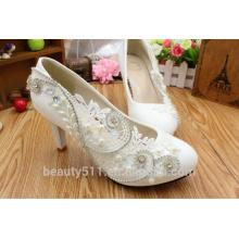 Robe de mariée de luxe avec des chaussures de dentelle en diamant en cristal blanc pour chaussures pour femmes WS008