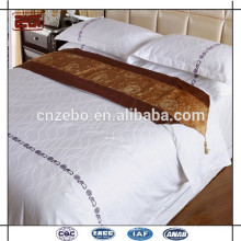 Luxury Five Star hotel 100% textile polyester bed scarf bed linen