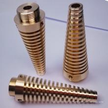 Usinagem de precisão para componentes de latão