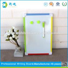 Farbenfrohe kleine magnetische Kinder whiteboard und Mini Kinder Bord