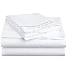 Peso leve super macio, algodão 100% escovado, gêmeo, folha de cama resistente do enrugamento Branco com bordado azul de Regal na caixa de presente