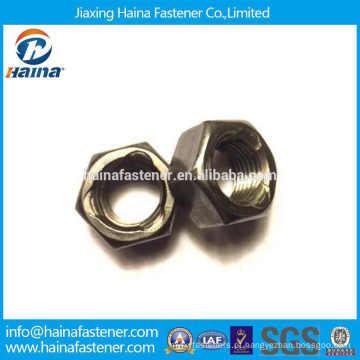 Fornecedor chinês Aço carbono Gr 2 hex três ponto auto porca de travamento