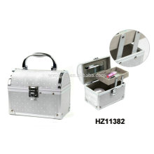 fashionale aluminum vanity case with a mirror inside