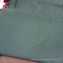 einfarbig gefärbter Arbeitsstoff aus Polyesterbaumwolle
