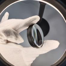 Лазерное боросиликатное стекло с выпуклой линзой с черным покрытием