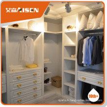 Design moderne de chambre à coucher blanche et marron