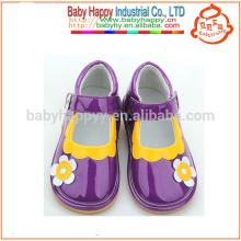 Los niños hermosos squeaky zapatos al por mayor con las niñas