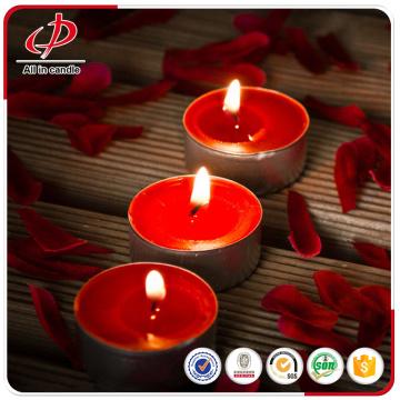 Velas tealight vermelhas perfumadas no copo plástico