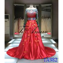 2016 Estilo Chino Vestido Rojo Tradicional Bordado De Vestido De Boda De Cordón Que Rebordea Vestido De Noche Tiamero 1A982