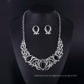Schwarze Onyx und Strass Orchidee Sharp Lady Halskette