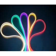 Luzes de tira de néon flexíveis 8 * 16mm do diodo emissor de luz do RGB da CA 110-120V para a decoração exterior interna