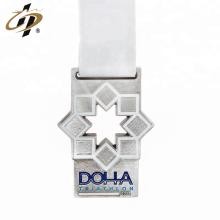 Porte-médaille en métal émaillé en alliage de zinc