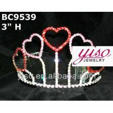 Coronas apiladas de la tiara del amor