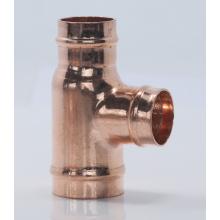 Cómo soldar accesorios de tubería de cobre vertical