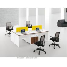 Poste de travail de bureau blanc élégant fait sur commande moderne d'équipe