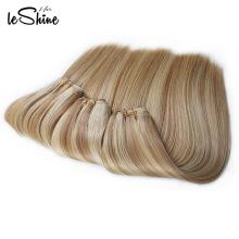 Nähen Sie in menschliche Haarwebart Ombre Haar spinnt, Two Tone Flechten Haar, blonde lockige Halo Haarverlängerungen