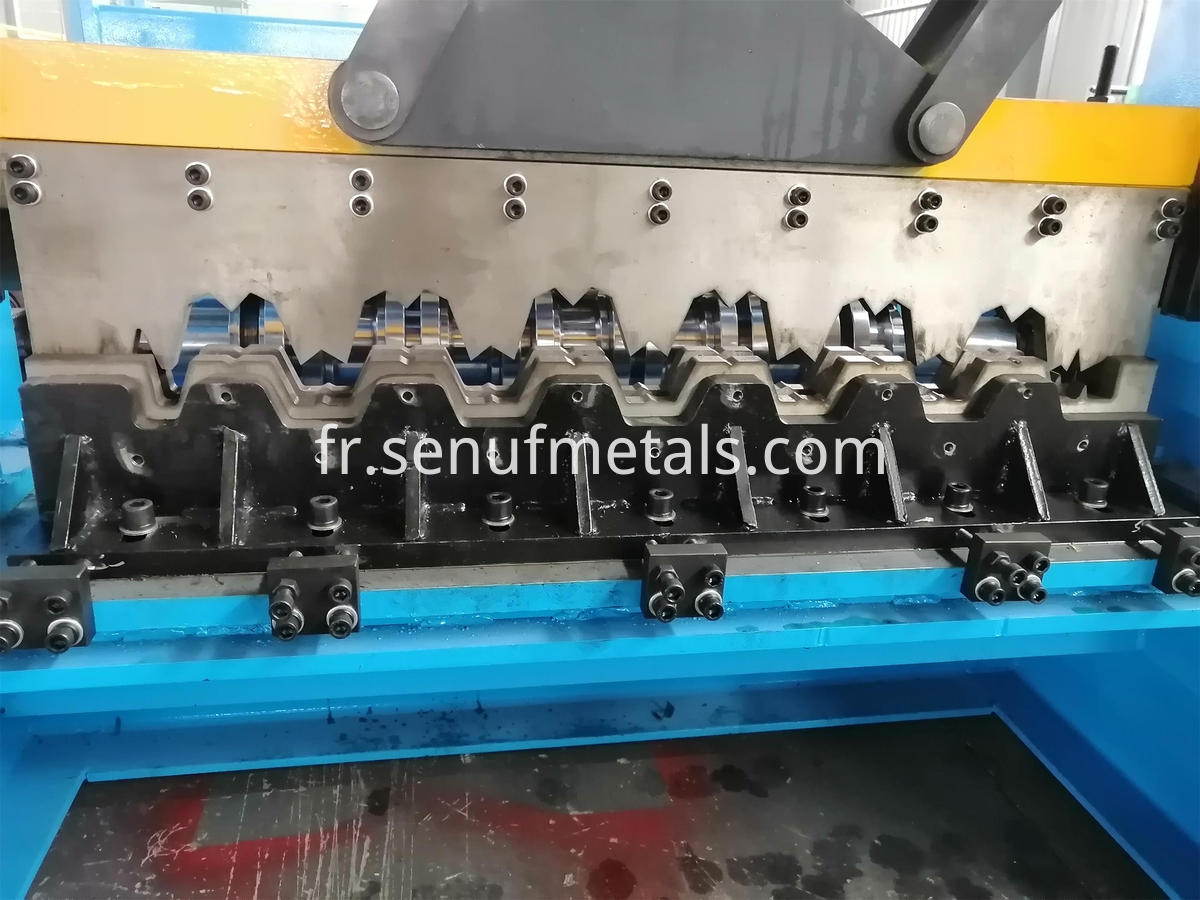 40-150-750 floor deck forming machine (4)
