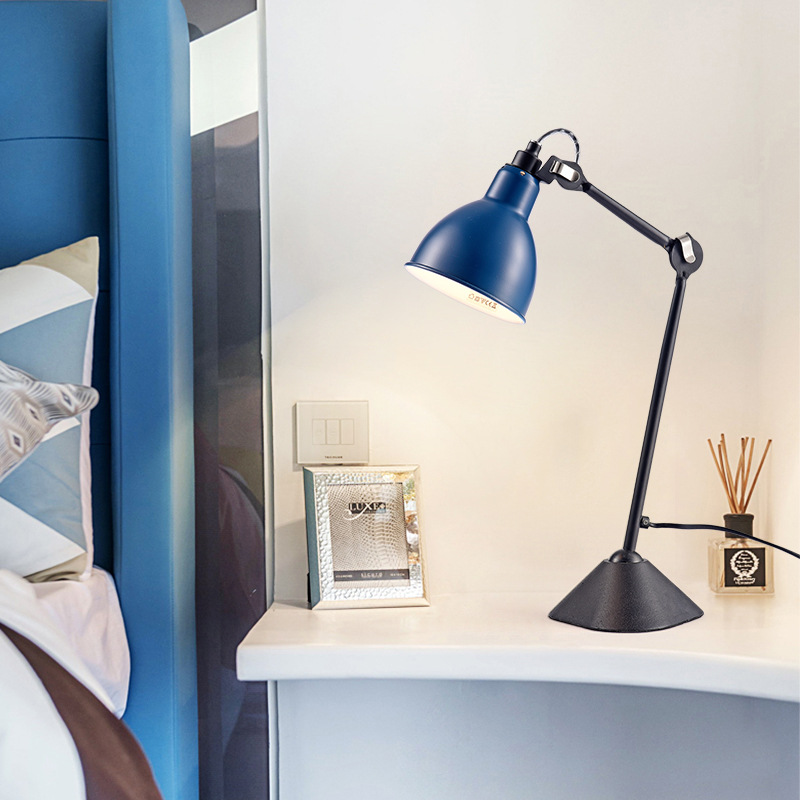 Application Modern Side Table Lamp