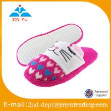 Zapatos calientes de los deslizadores del algodón del invierno de las mujeres lindas, deslizador de casa del invierno para la venta