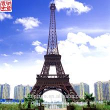 2016 Neuer Eiffelturm Moderne Skulptur Kunst Skulptur Städtische Statue Erfolgreicher Fall
