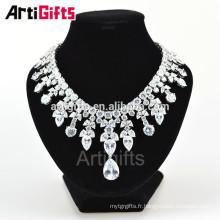 Superbe collier de pierres précieuses de diamant de plaque d'or blanc pour les femmes
