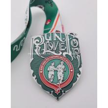 Medalha do dia dos namorados de esmalte epóxi verde personalizado 2021
