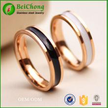 blanco y negro pegamento anillo de oro rosa de acero de titanio
